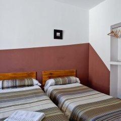 Отель Hostal Abaaly комната для гостей фото 3