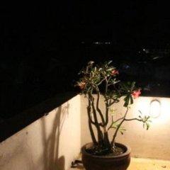 Отель Mamas Coral Beach Hotel & Restaurant Шри-Ланка, Хиккадува - отзывы, цены и фото номеров - забронировать отель Mamas Coral Beach Hotel & Restaurant онлайн балкон