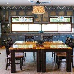 Отель 5 Bedrooms Pool Villa Behind Phuket Z00 Таиланд, Бухта Чалонг - отзывы, цены и фото номеров - забронировать отель 5 Bedrooms Pool Villa Behind Phuket Z00 онлайн гостиничный бар