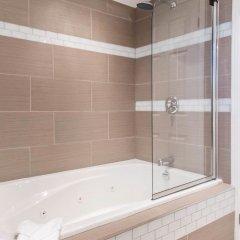 Отель Econo Lodge Downtown Ottawa Канада, Оттава - 2 отзыва об отеле, цены и фото номеров - забронировать отель Econo Lodge Downtown Ottawa онлайн ванная