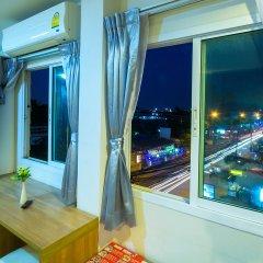Отель Sea Breeze Jomtien Residence Таиланд, Паттайя - отзывы, цены и фото номеров - забронировать отель Sea Breeze Jomtien Residence онлайн балкон