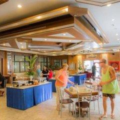 Отель Grand Sole Pattaya Beach Hotel Таиланд, Паттайя - отзывы, цены и фото номеров - забронировать отель Grand Sole Pattaya Beach Hotel онлайн питание фото 2