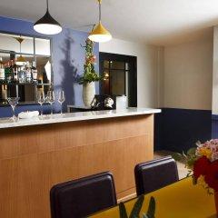 Отель Les Matins De Paris гостиничный бар