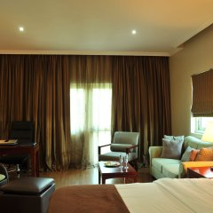 Отель Park Inn by Radisson, Lagos Victoria Island комната для гостей фото 8