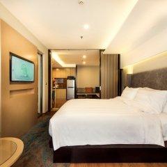 Отель Novotel Suites Hanoi сейф в номере