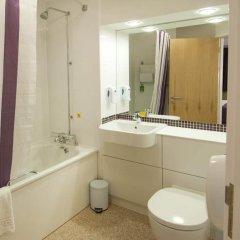 Отель Premier Inn London City - Old Street ванная фото 2