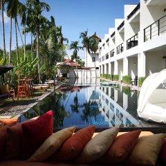 Отель Tea Tree Boutique Resort бассейн