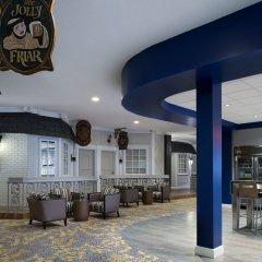 Отель Saskatoon Inn гостиничный бар