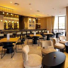 Отель Occidential Dubai Production City гостиничный бар