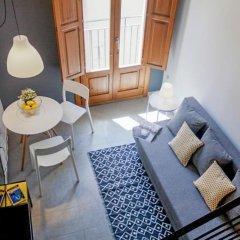 Апартаменты Blue Moon Apartments Валенсия комната для гостей фото 5