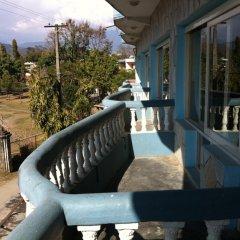 Отель KC Pokhara Непал, Покхара - отзывы, цены и фото номеров - забронировать отель KC Pokhara онлайн балкон