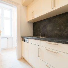 Апартаменты Vienna Residence Spacious Viennese Apartment for up to 5 Happy Guests Вена в номере