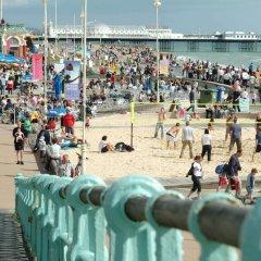 Отель Hilton Brighton Metropole пляж фото 2