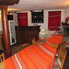 Отель Hadjigergy's Guest House Болгария, Сливен - отзывы, цены и фото номеров - забронировать отель Hadjigergy's Guest House онлайн гостиничный бар