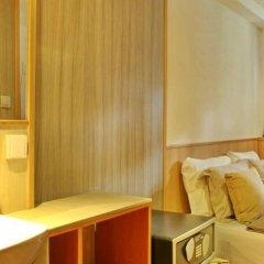 Отель Compass River City Boatel сейф в номере