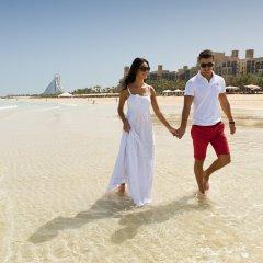 Отель Jumeirah Mina A Salam - Madinat Jumeirah ОАЭ, Дубай - 10 отзывов об отеле, цены и фото номеров - забронировать отель Jumeirah Mina A Salam - Madinat Jumeirah онлайн пляж фото 2