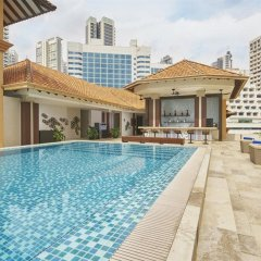 Orchard Rendezvous Hotel by Far East Hospitality Сингапур бассейн