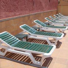Отель Hostal Rom Испания, Курорт Росес - отзывы, цены и фото номеров - забронировать отель Hostal Rom онлайн бассейн