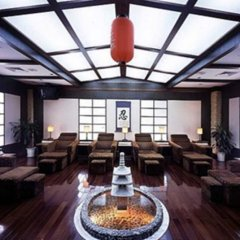 Rosedale Hotel and Suites Guangzhou гостиничный бар