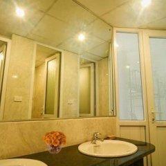 Отель Hanoi Street View Hotel Вьетнам, Ханой - отзывы, цены и фото номеров - забронировать отель Hanoi Street View Hotel онлайн ванная фото 2