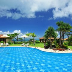 Hotel Nirakanai Kohamajima бассейн