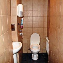 Гостиница Hostel FilosoF on Taganka в Москве 7 отзывов об отеле, цены и фото номеров - забронировать гостиницу Hostel FilosoF on Taganka онлайн Москва ванная
