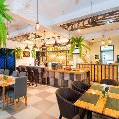 Отель Simple Life Cliff View Resort гостиничный бар