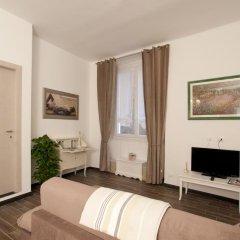 Отель Home Sweet Home Apartments Италия, Генуя - отзывы, цены и фото номеров - забронировать отель Home Sweet Home Apartments онлайн комната для гостей фото 2