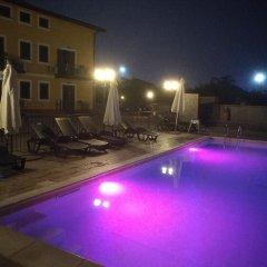 Отель B&B I Colori dell'Etna Сан-Джованни-ла-Пунта бассейн фото 2