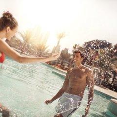 Отель Beach Rotana бассейн фото 3