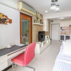 Апартаменты Bangkok Two Bedroom Apartment Бангкок гостиничный бар
