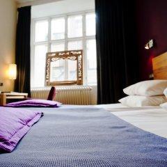 Hotel Hellsten сейф в номере