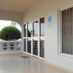Отель Malbert Inn Guest House Гана, Аккра - отзывы, цены и фото номеров - забронировать отель Malbert Inn Guest House онлайн балкон
