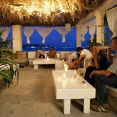Отель Hostal Talamanca гостиничный бар