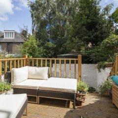 Отель onefinestay - Hampstead private homes балкон