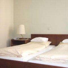 Pension Hotel Mariahilf сейф в номере