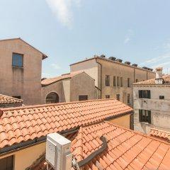 Отель Ve.N.I.Ce. Cera Ca' Belle Arti Италия, Венеция - отзывы, цены и фото номеров - забронировать отель Ve.N.I.Ce. Cera Ca' Belle Arti онлайн балкон