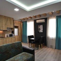 Апартаменты Gallery Apartments B комната для гостей фото 5