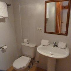 Отель Apartamentos Bulgaria ванная фото 2