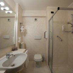 Отель Ancora Hotel Италия, Вербания - отзывы, цены и фото номеров - забронировать отель Ancora Hotel онлайн ванная фото 2