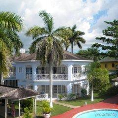 Отель Beachcomber Club Resort Ямайка, Саванна-Ла-Мар - отзывы, цены и фото номеров - забронировать отель Beachcomber Club Resort онлайн бассейн