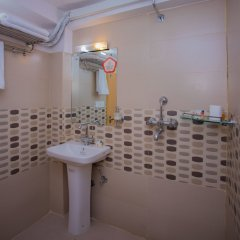 Отель OYO 262 Hotel Faith Непал, Лалитпур - отзывы, цены и фото номеров - забронировать отель OYO 262 Hotel Faith онлайн ванная фото 2