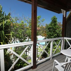 Отель Mangos Boutique Beach Resort балкон