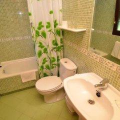 Отель Alojamiento Verdemar Испания, Арнуэро - отзывы, цены и фото номеров - забронировать отель Alojamiento Verdemar онлайн ванная фото 2