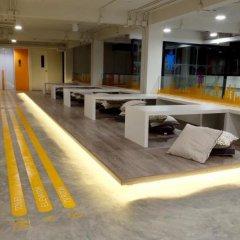 Yaks House Hostel Бангкок помещение для мероприятий