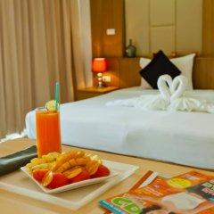 Отель Hallo Patong Dormtel And Restaurant Патонг в номере