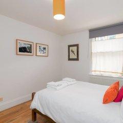 Отель Good Size 2 Bedroom in a Perfect Location Великобритания, Лондон - отзывы, цены и фото номеров - забронировать отель Good Size 2 Bedroom in a Perfect Location онлайн комната для гостей фото 3