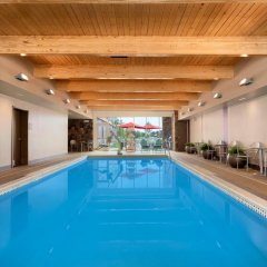 Отель Home2 Suites by Hilton Cleveland Beachwood бассейн