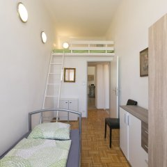 Апартаменты Raisa Apartments Lerchenfelder Gürtel 30 комната для гостей