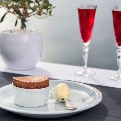 Отель Athina Luxury Suites гостиничный бар